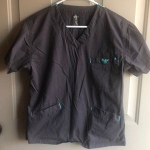 Med couture small scrub top